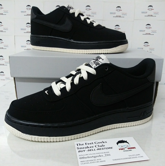 Brand New Nike Air Force 1 Suede Low Black + White NWT
